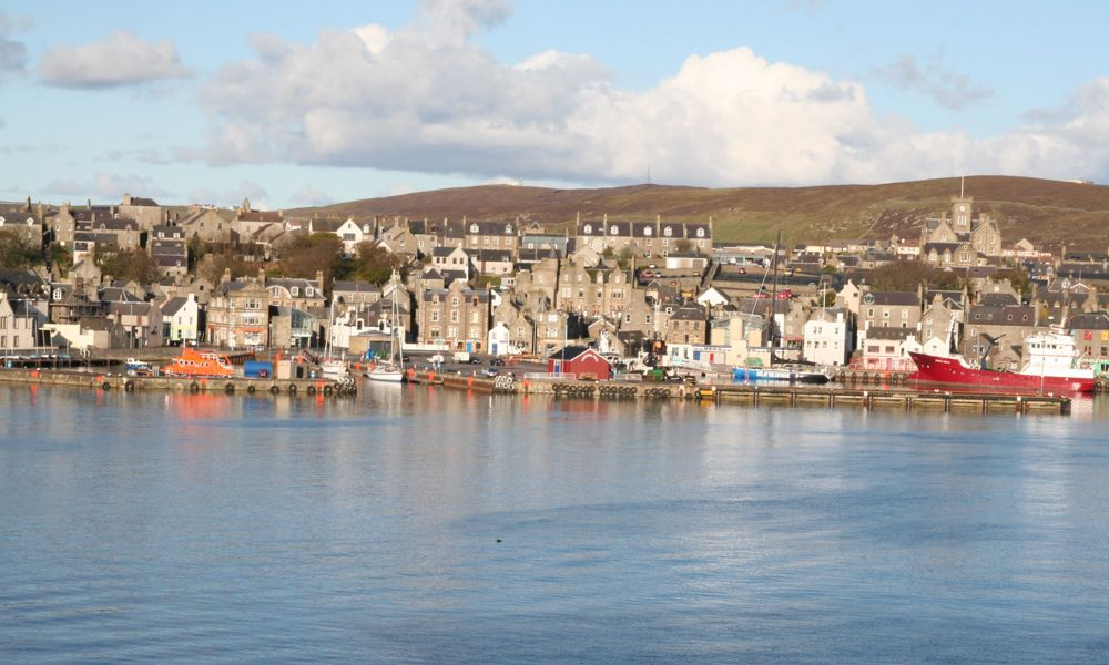 Lerwick,_view_from_a_ferry